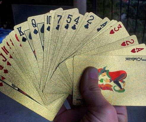24K Gold Playing Cards - http://coolthings.us