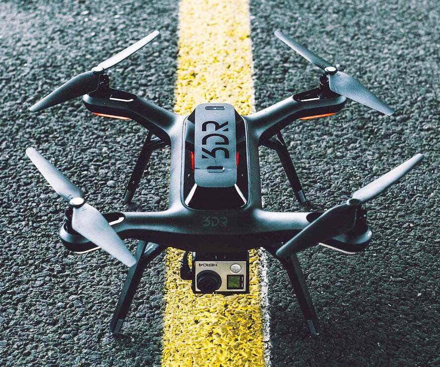 3D Robotics Solo Quadcopter - http://coolthings.us