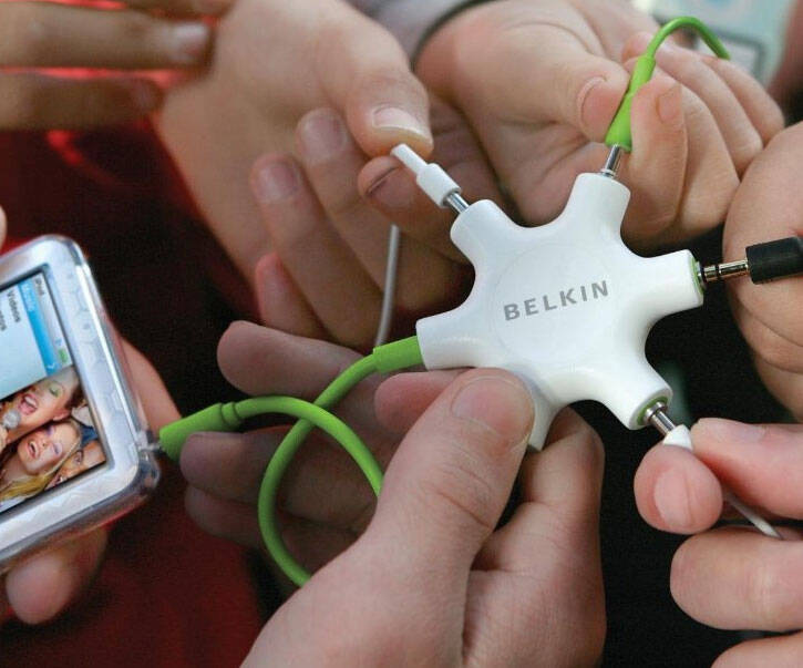 5 Way Headphone Splitter - http://coolthings.us
