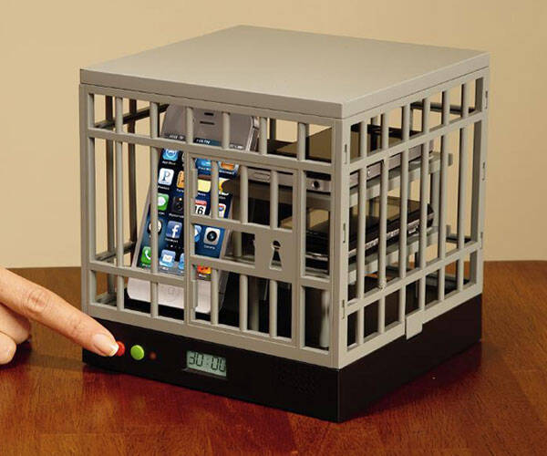 Cell Lock Up Smartphone Cage - http://coolthings.us