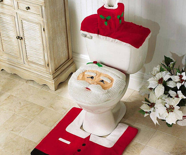 Santa Claus Toilet Cover - http://coolthings.us