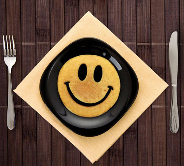 Crack a Smile Breakfast Mold - http://coolthings.us