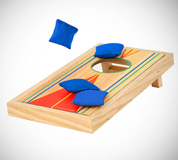 Desktop Bean Bag Toss Game - http://coolthings.us