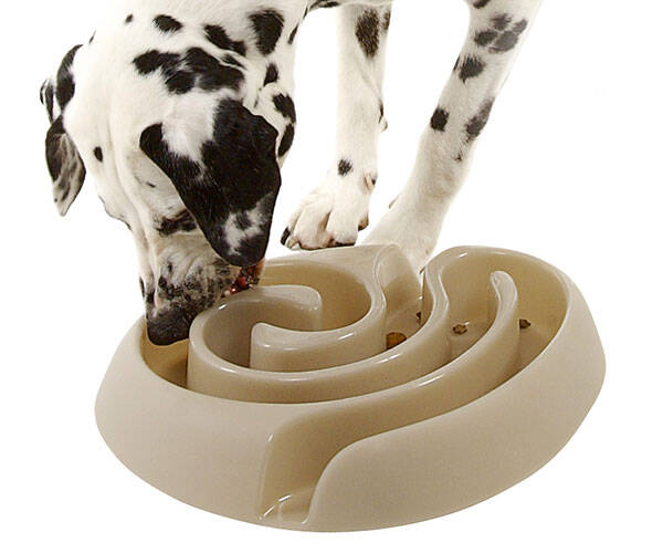 Food Maze Dog Bowl - http://coolthings.us
