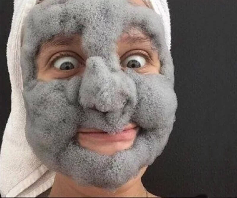 Fluffy Bubble Clay Face Mask - http://coolthings.us