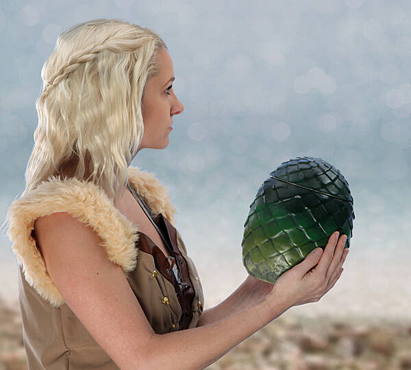 Game of Thrones Dragon Egg Canister - http://coolthings.us