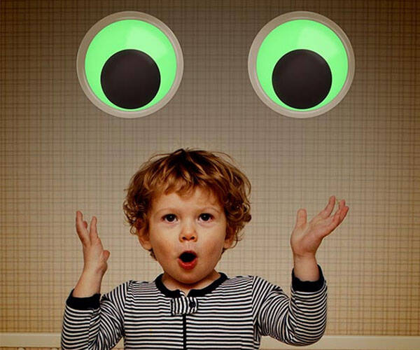 Giant Glow in the Dark Googly Eyes - http://coolthings.us