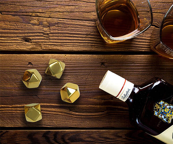 Gold Whiskey Stones Ice Cubes - http://coolthings.us