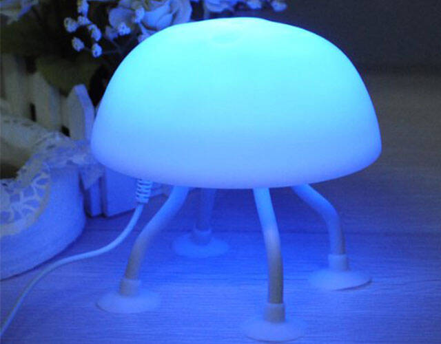 Jellyfish Desk Lamp - coolthings.us