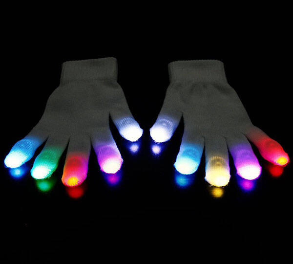 LED Light Gloves - http://coolthings.us
