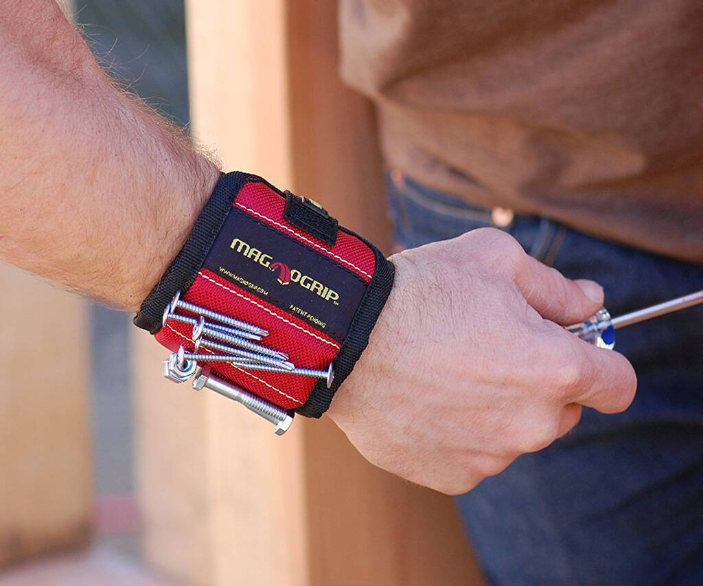 Magnetic Wristband - http://coolthings.us