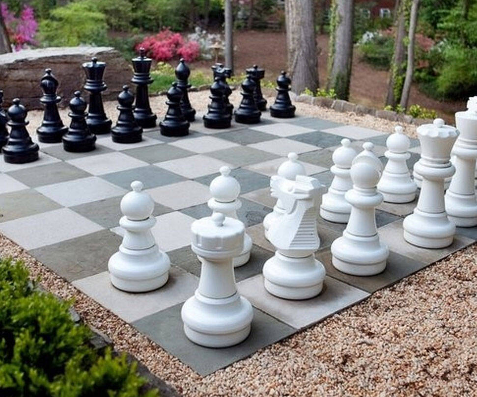 Giant Backyard Chess Set - coolthings.us