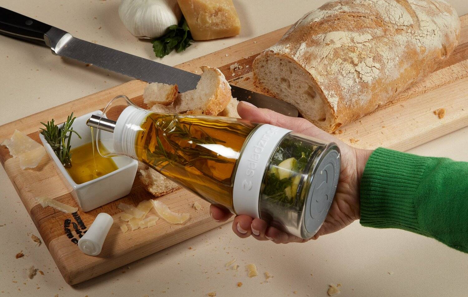 Salad Zinger Salad Dressing Infuser - http://coolthings.us