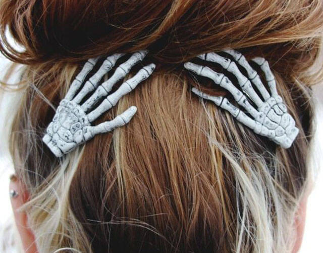Skeleton Hand Hair Clips - http://coolthings.us