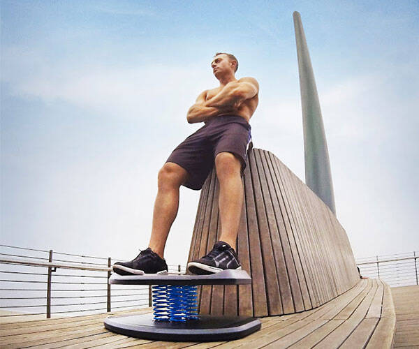 StrongBoard Balance Board - http://coolthings.us