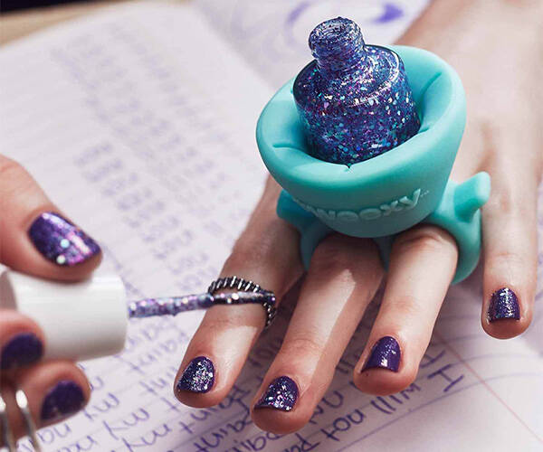 Tweexy Wearable Nail Polish Holder - http://coolthings.us