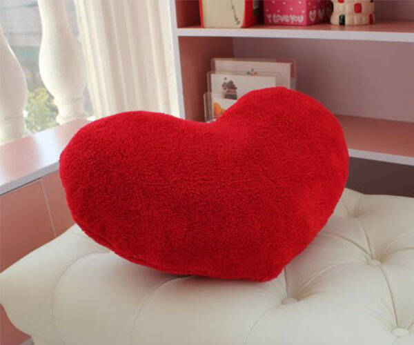 Valentines Day Heart Pillow - coolthings.us