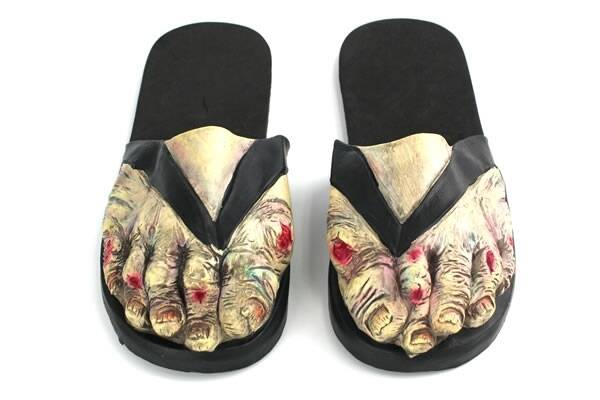 Zombie Feet Sandals - http://coolthings.us
