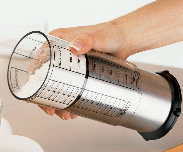 Adjustable Measuring Cup - http://coolthings.us