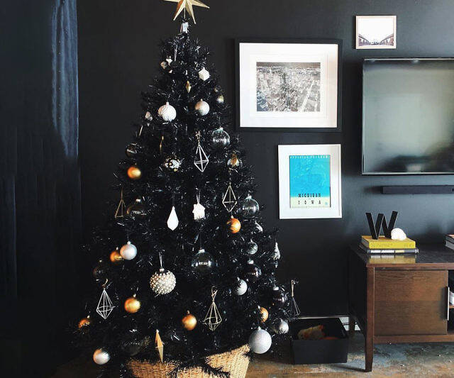 The Black Christmas Tree - http://coolthings.us