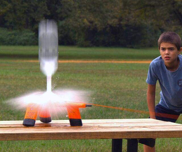 Bottle Launcher - http://coolthings.us