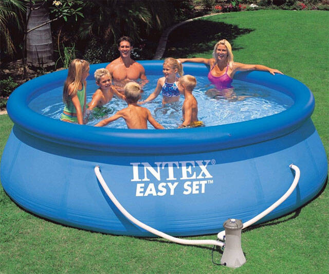 Backyard Swimmin' Hole - http://coolthings.us