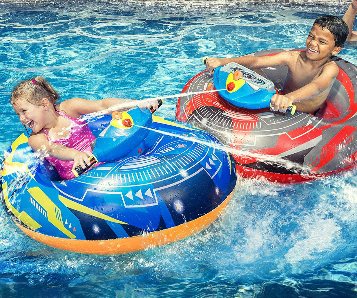 Motorized Water Blaster Bumper Boats - http://coolthings.us