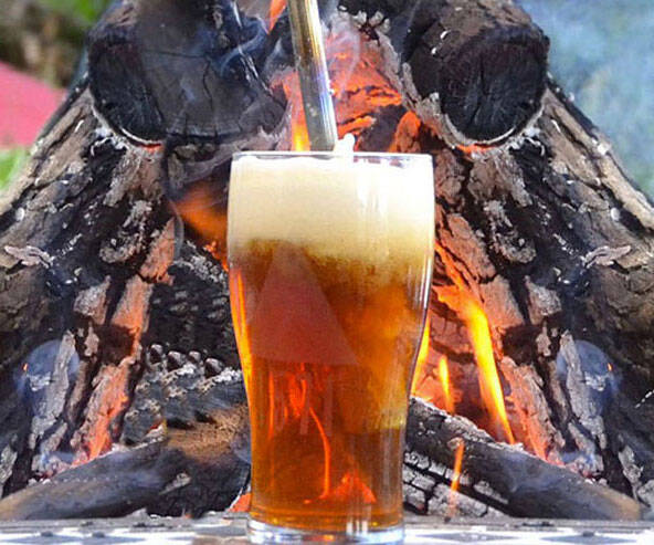 Beer Caramelizer Campfire Tool - http://coolthings.us