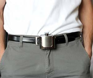 Belt Buckle Flask - http://coolthings.us
