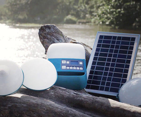 Portable Off-Grid Solar Electricity System - http://coolthings.us
