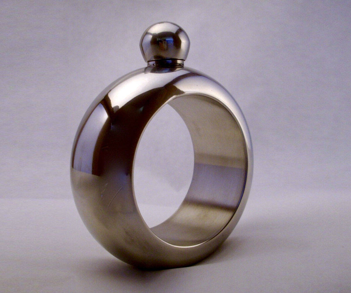Bracelet Flask - http://coolthings.us