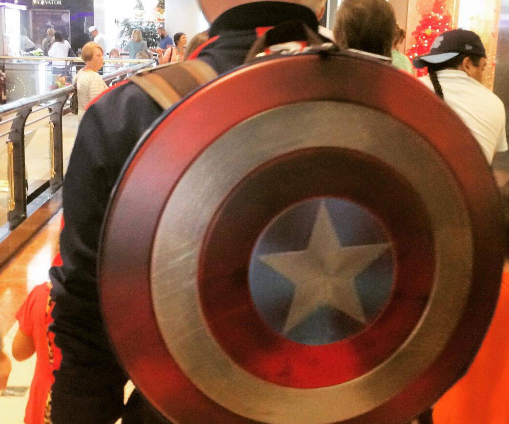 Captain America Shield Backpack - http://coolthings.us