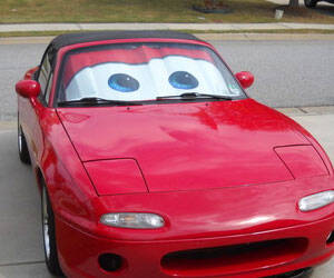 Cars Lightning McQueen Sunshade - http://coolthings.us