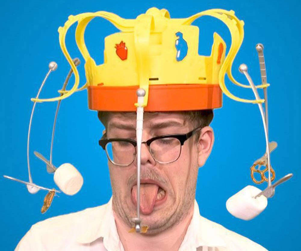 The Chow Crown Game - http://coolthings.us