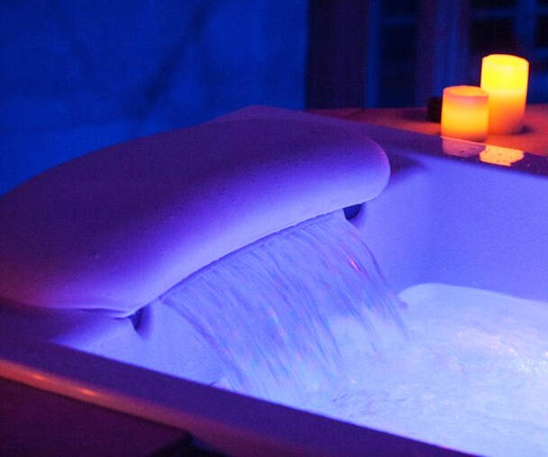 Waterfall Therapy Bathtub - http://coolthings.us