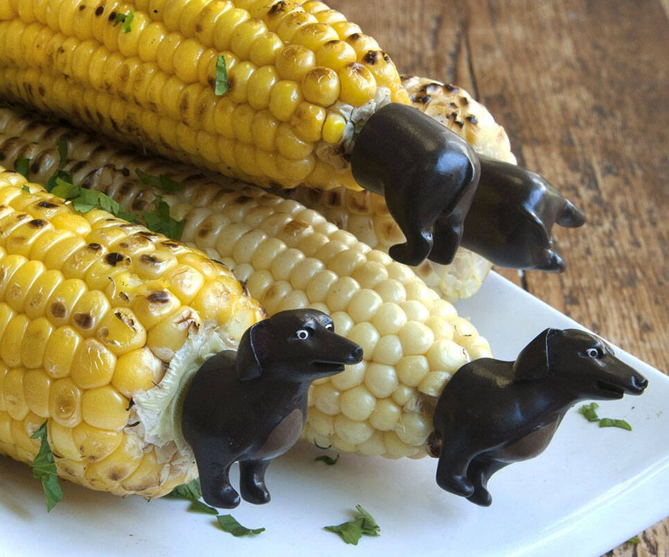 Dachshund Corn Holders - http://coolthings.us