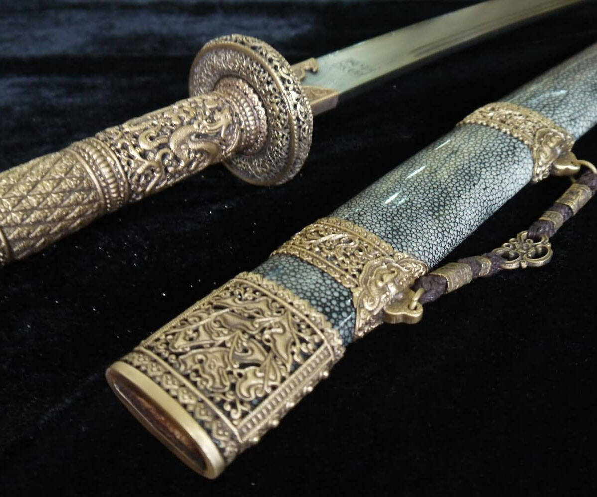 Chinese Damascus Steel Sword - http://coolthings.us