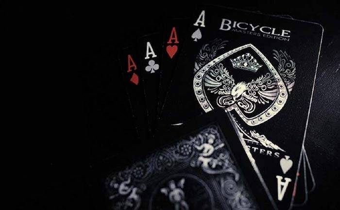 Dark Playing Cards - http://coolthings.us