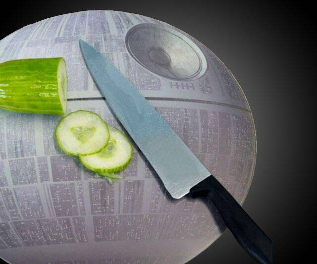 Death Star Cutting Board - http://coolthings.us