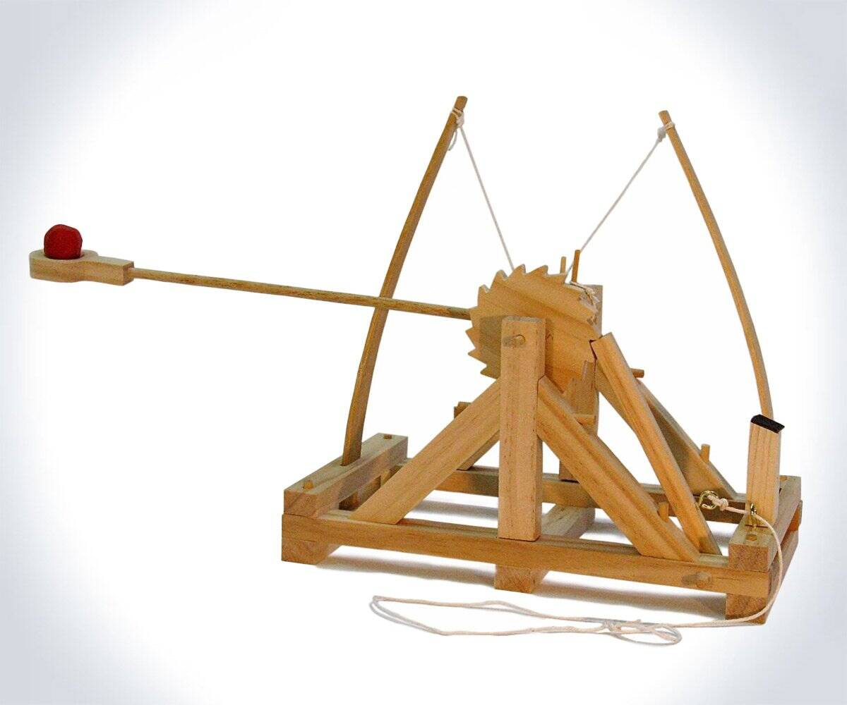 Desktop Warfare - da Vinci Catapult Kit - http://coolthings.us