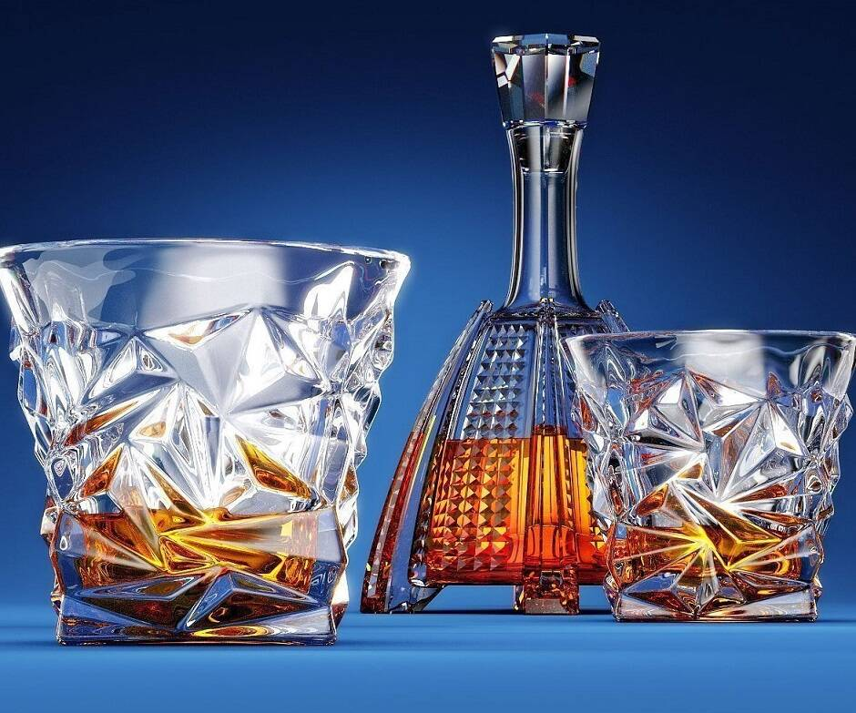 Diamond-Cut Scotch Whiskey Glasses - http://coolthings.us
