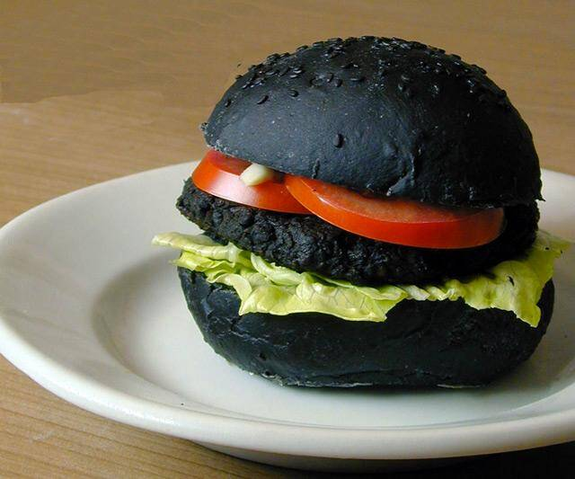 DIY Jet Black Hellfire Burgers - http://coolthings.us