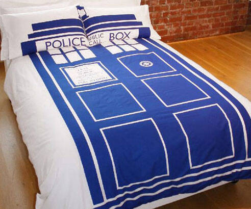 Doctor Who TARDIS Duvet - http://coolthings.us