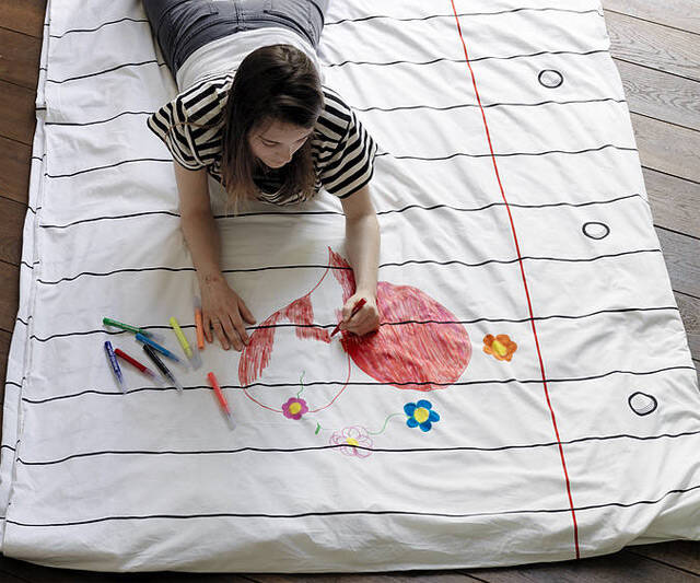 Doodle Duvet Cover - http://coolthings.us