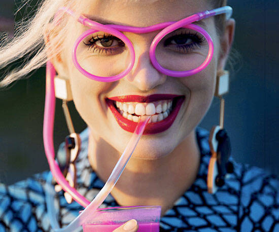 Drinking Straw Eyeglasses - http://coolthings.us