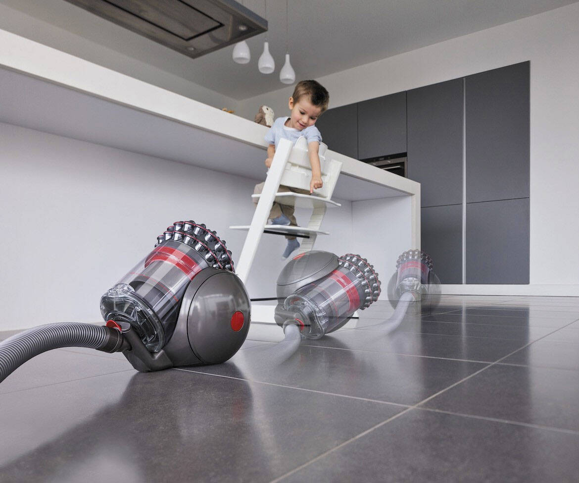 Dyson Cinetic Big Ball Self-Righting Vacuum - http://coolthings.us