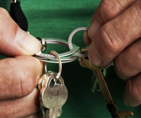 Easy Open Key Ring - http://coolthings.us
