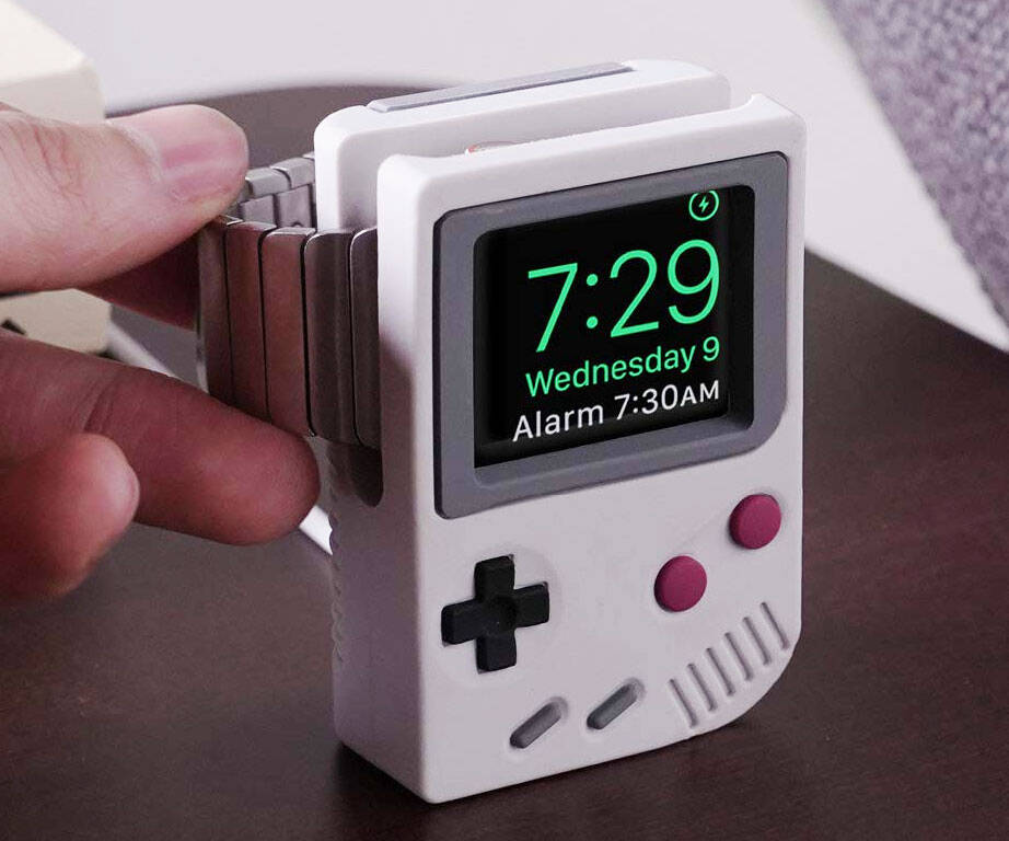 Game Boy Apple Watch Stand - http://coolthings.us