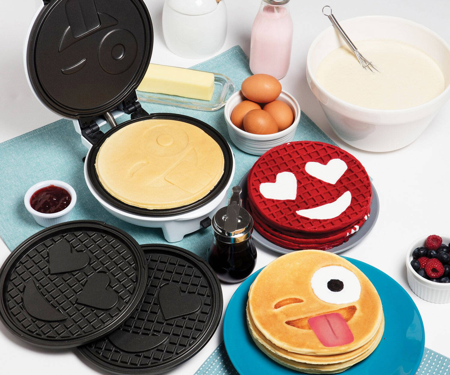 Emoji Waffle And Pancake Maker - http://coolthings.us