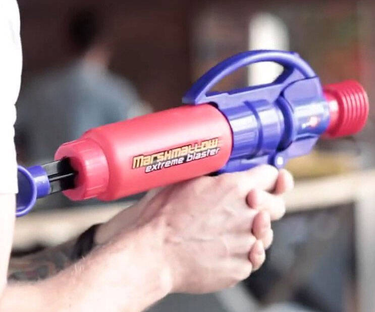 Extreme Marshmallow Blaster - http://coolthings.us